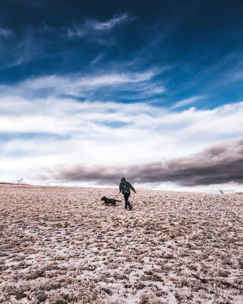 výlet so psom zasnežený kopec Javorina